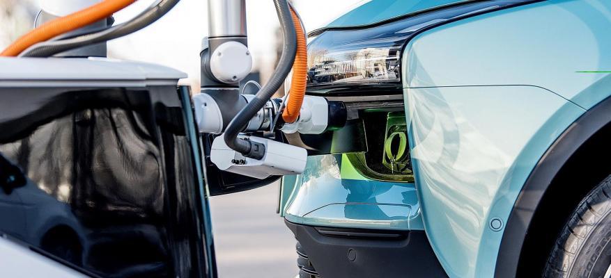 Η Aiways παρουσιάζει ένα πρωτότυπο ρομπότ φόρτισης!!! | STARTEG.GR